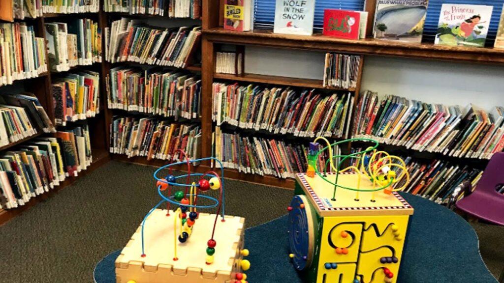 Dixon Homestead Library