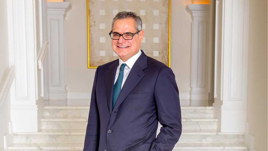 Ernest Garcia II is one of the top richest person in Arizona